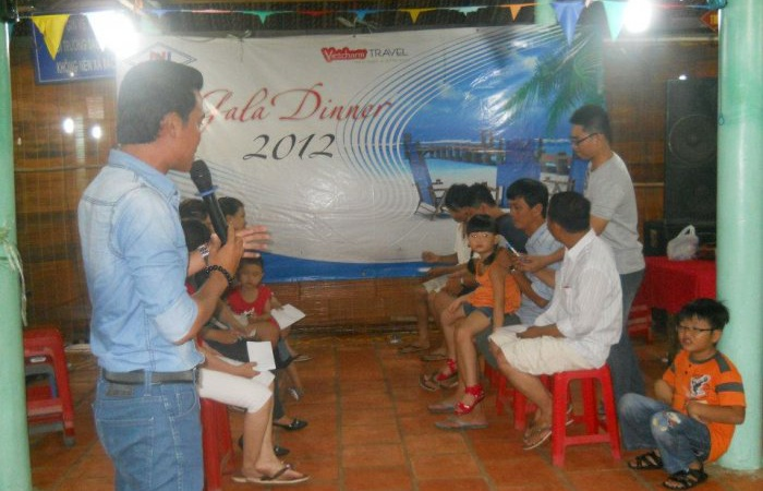 The scholarship awarding ceremony of the Company to children of employees